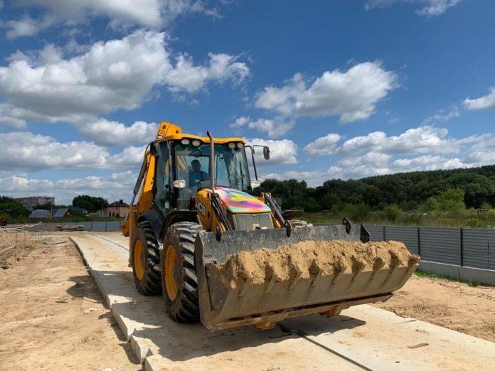 На стройплощадке компенсационного дома в поселении Рязановское завершены работы по забивке свай