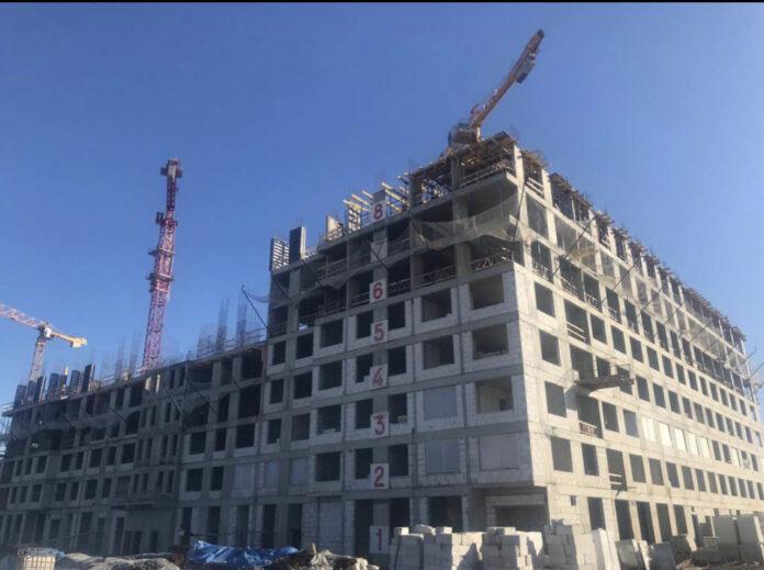Началось возведение 8-го этажа
